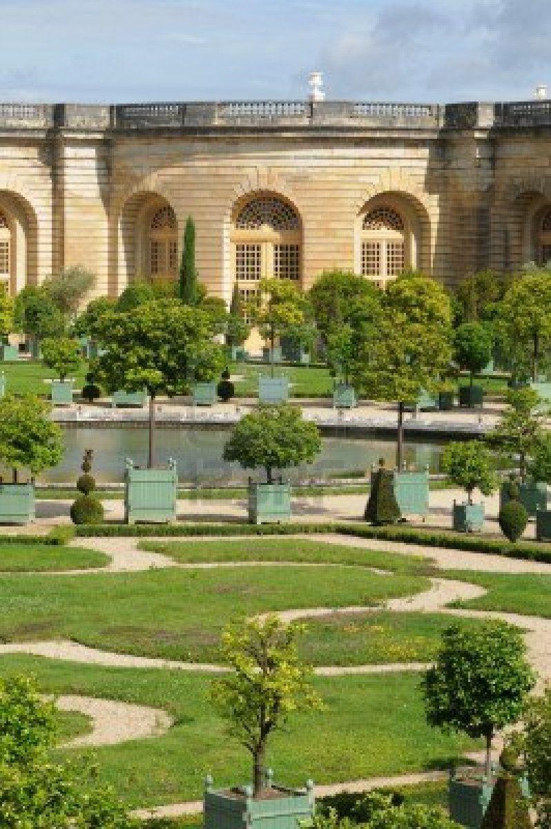 Garden Of The Versailles Palace Orangery Chateau Versailles Jardin De Versailles Jardin Francais