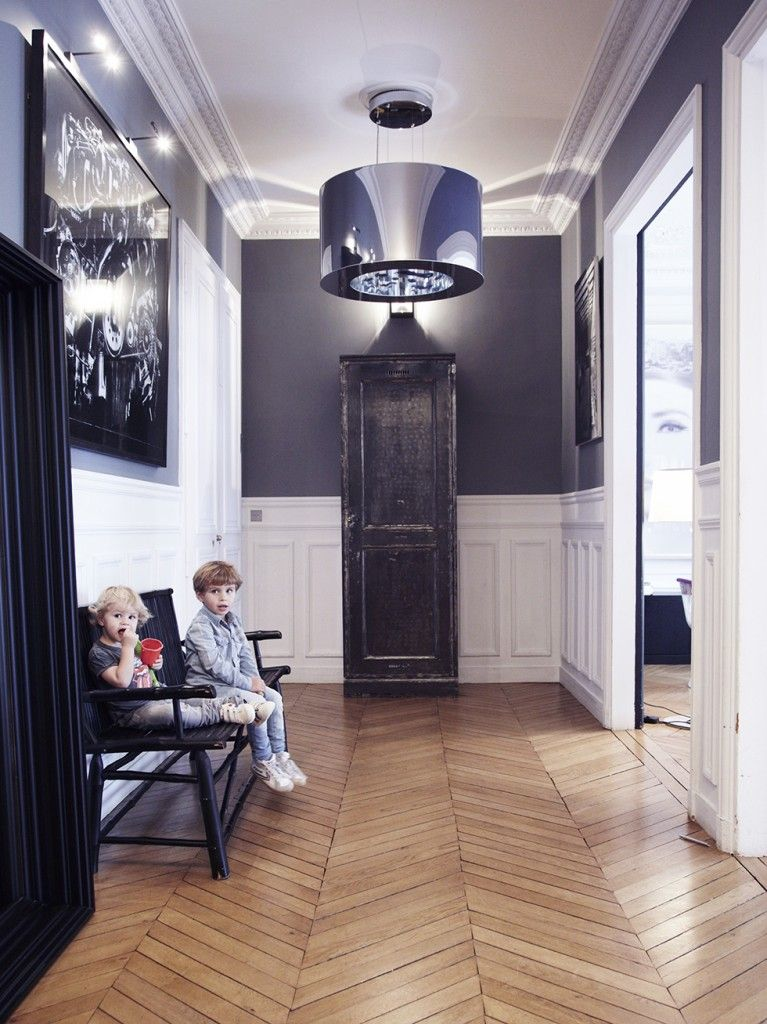 Un int rieur parisien so chic le couloir haussmannien et couloir for Couloir appartement