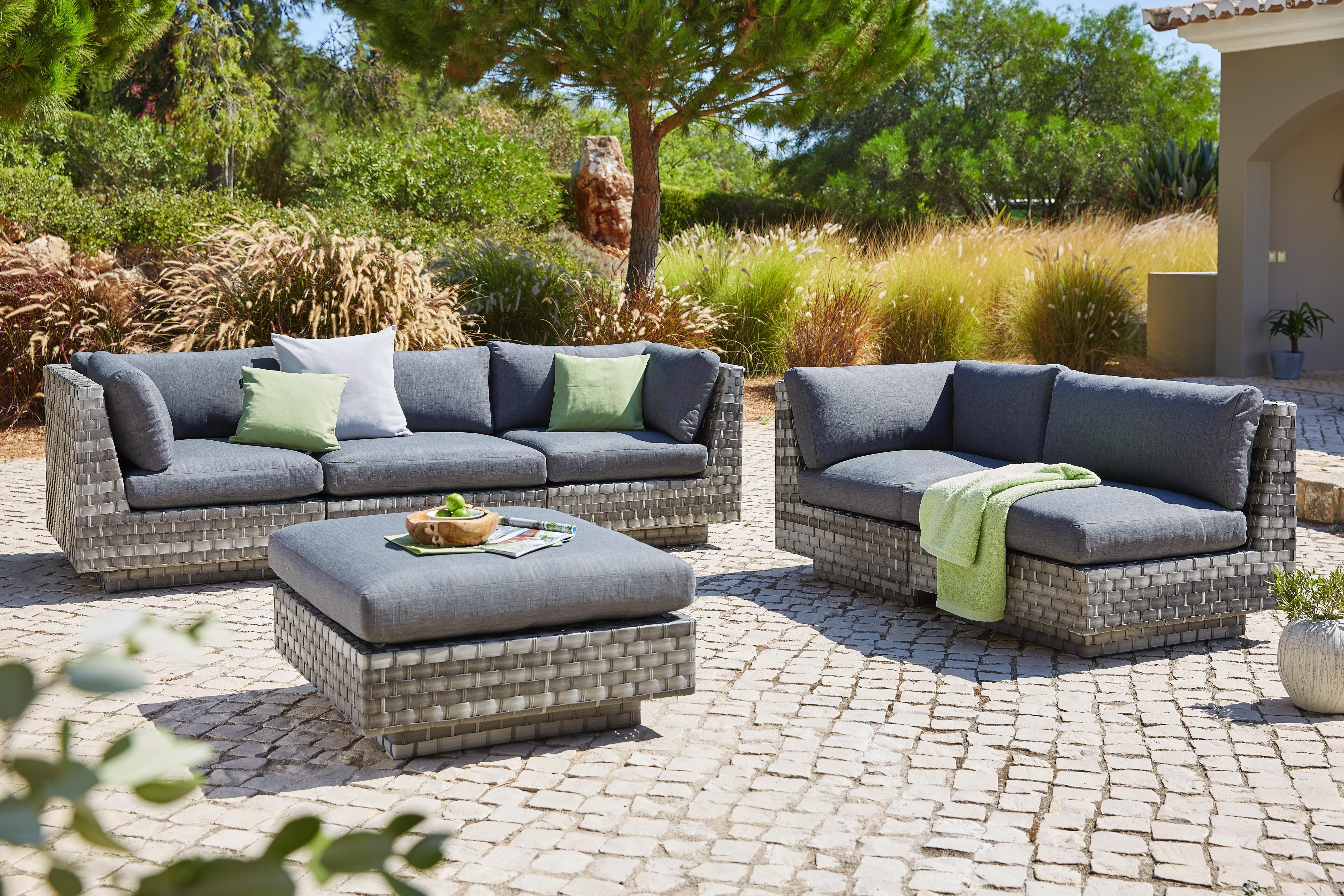Gemütliche Garten Garnitur Aus Rattan Lounge Garnitur