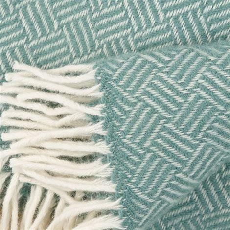Samba Wolldecke Von Klippan Yllefabrik Online Kaufen Bei Nordicnest De Wolldecke Wolldecken Kaufen Samba