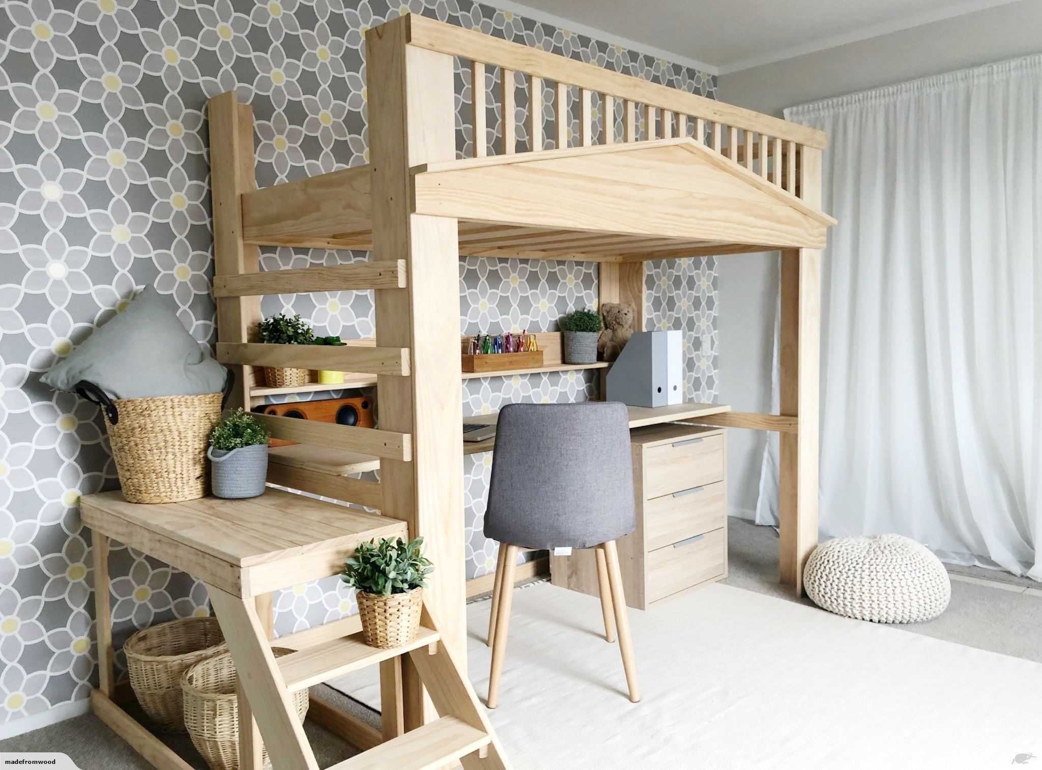 Loft bed with desk Trade Me Single loft bed, Loft bed