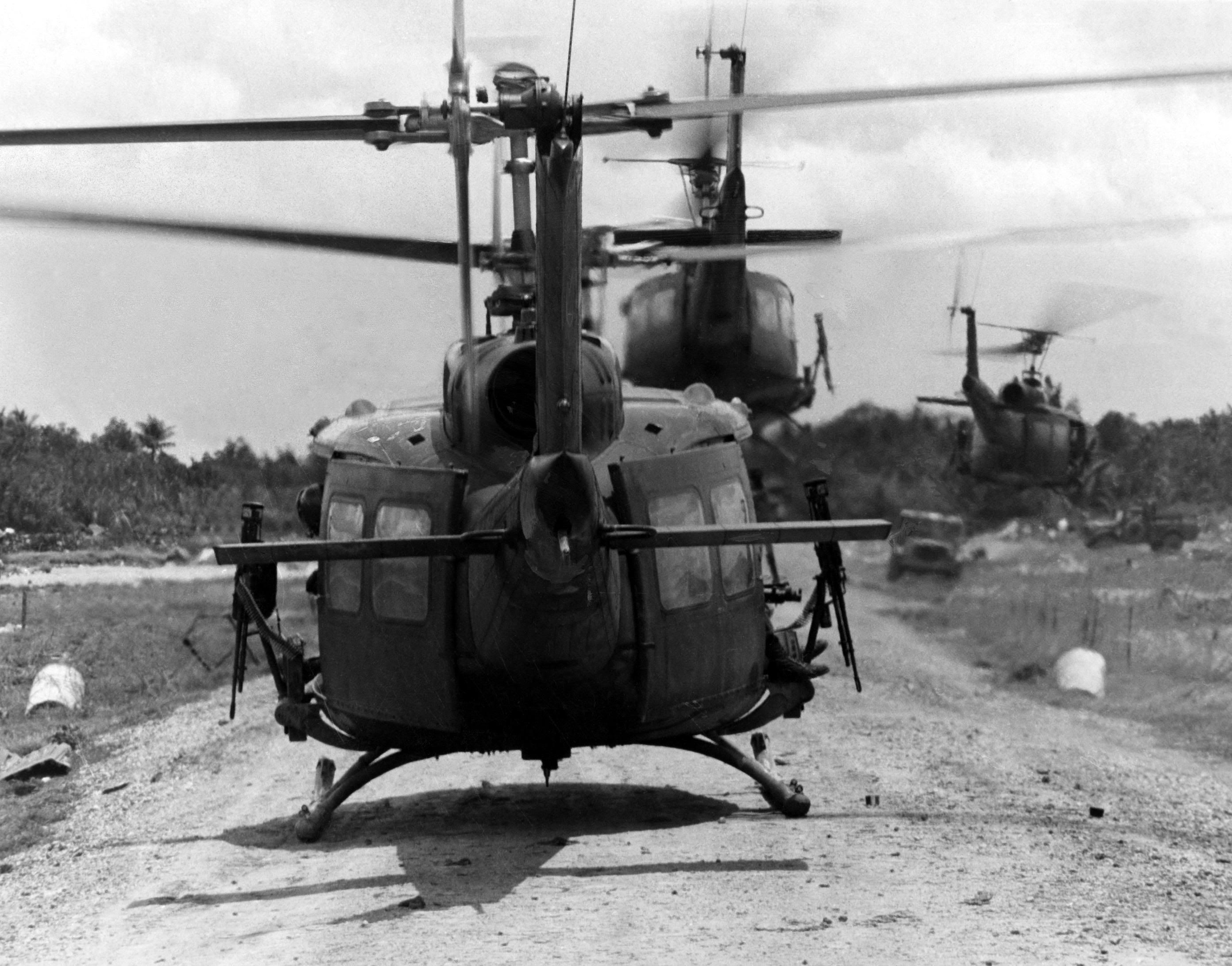 BELL HUEY UH-1 HELICOPTER MANUALS RARE Service tech ... |Bell Helicopter Vietnam