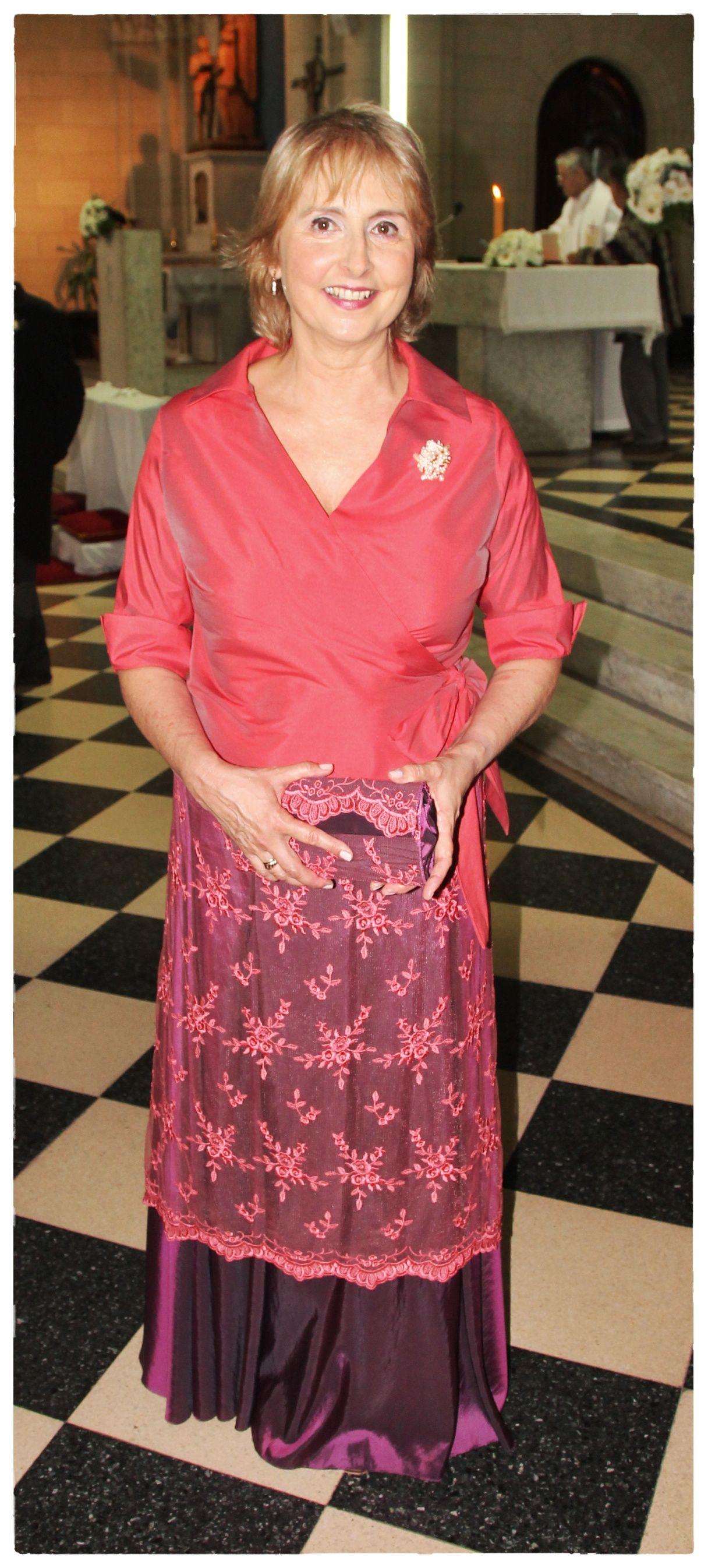 Madrina Susana.. casamiento 29/03 Camisa de tafeta de seda, falda de ...