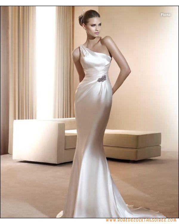 Robe sirène avec épaule asymétrique en satin élastique appliquée de plis robe de mariée 2011