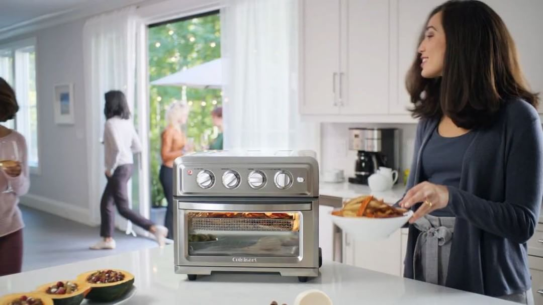 The Cuisinart Air Fryer Toaster Oven Toa 60 Is Officially One Of Oprah S Favorite Th Toaster Oven Recipes Air Fryer Recipes Breakfast Air Fryer Recipes Easy