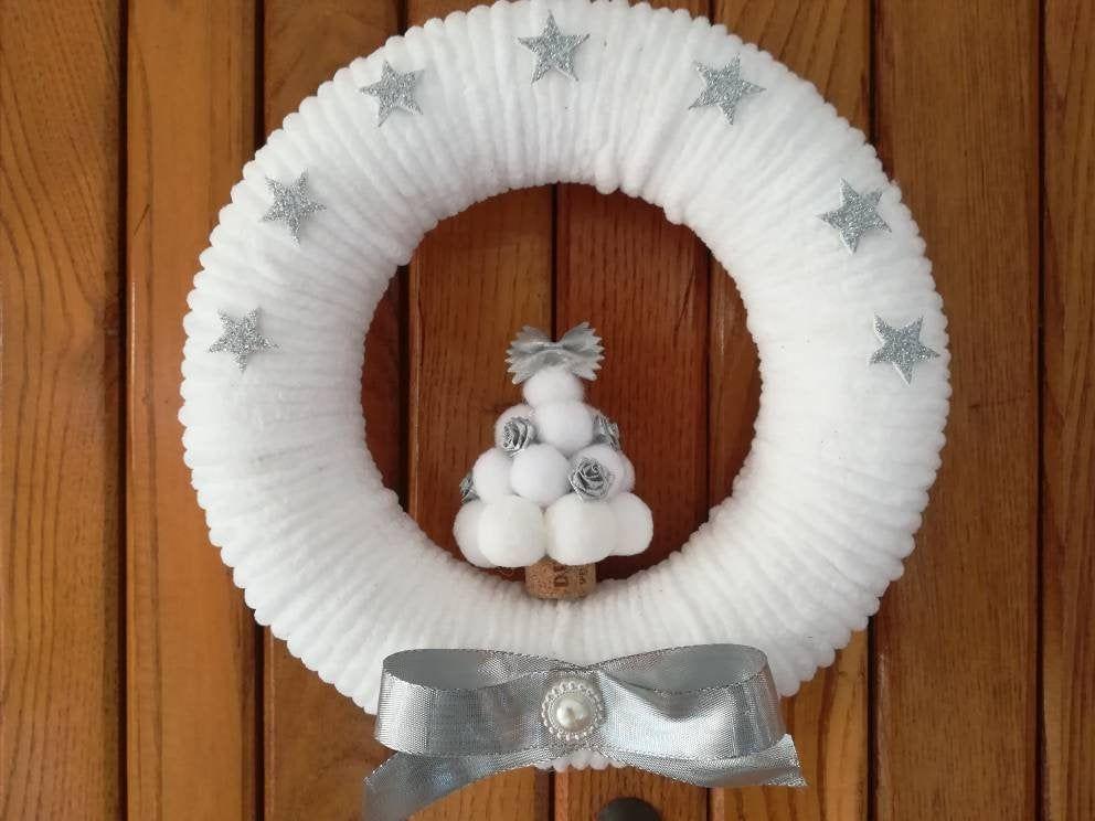 Photo of Ghirlanda natalizia per porta bianco – argento