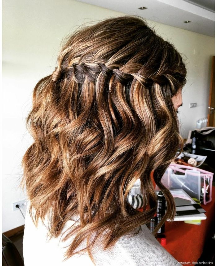 19 Ondulado peinados para cabello corto