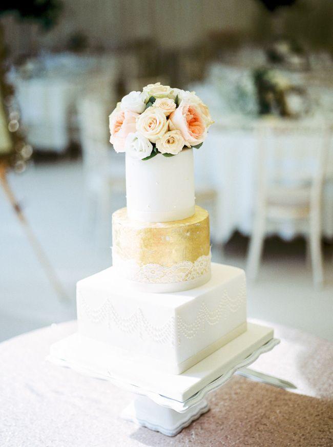 beautiful three tier wedding cake  http://trendybride.net/amazing-wedding-cakes-part-ii/ #trendybride