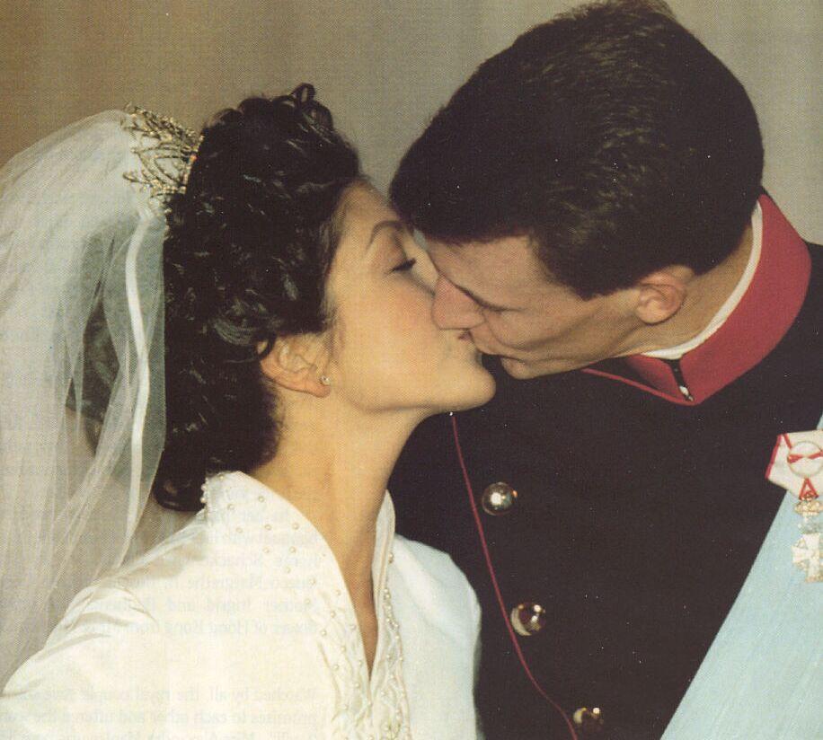 Princess Alexandra\'s wedding dress was designed by Jörgen Bender. It ...