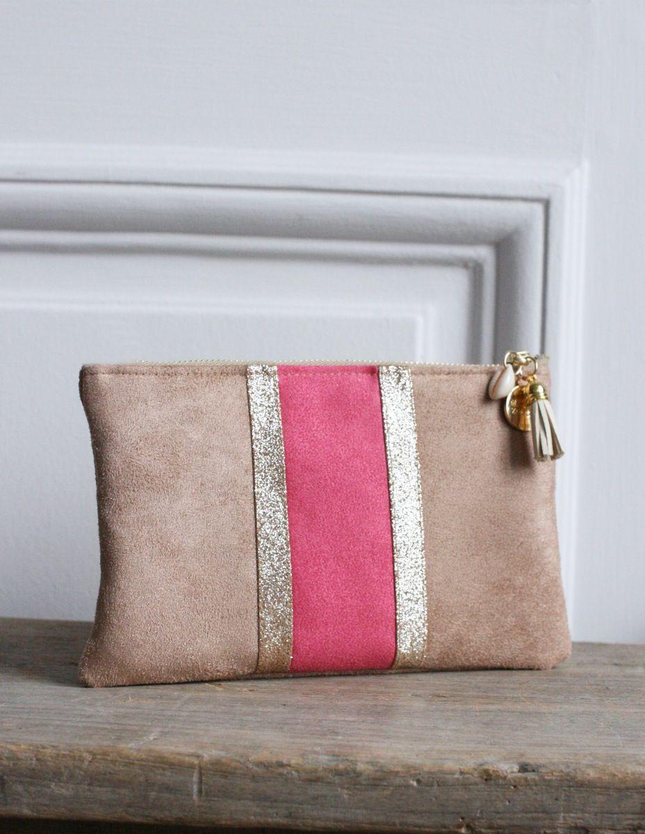 pochette en su dine tissu paillet couleurs beige fuchsia et dor paillettes dor es. Black Bedroom Furniture Sets. Home Design Ideas