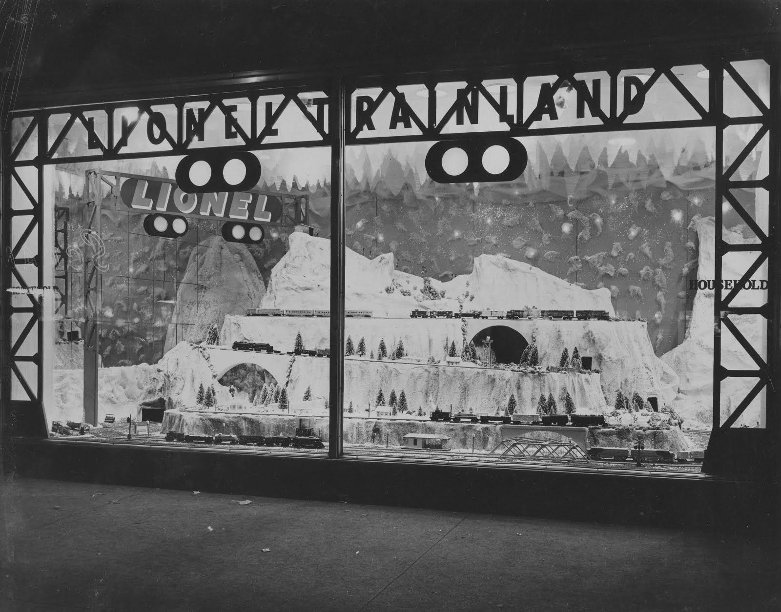 vintage christmas photograph lionel train land christmas window display from the household. Black Bedroom Furniture Sets. Home Design Ideas
