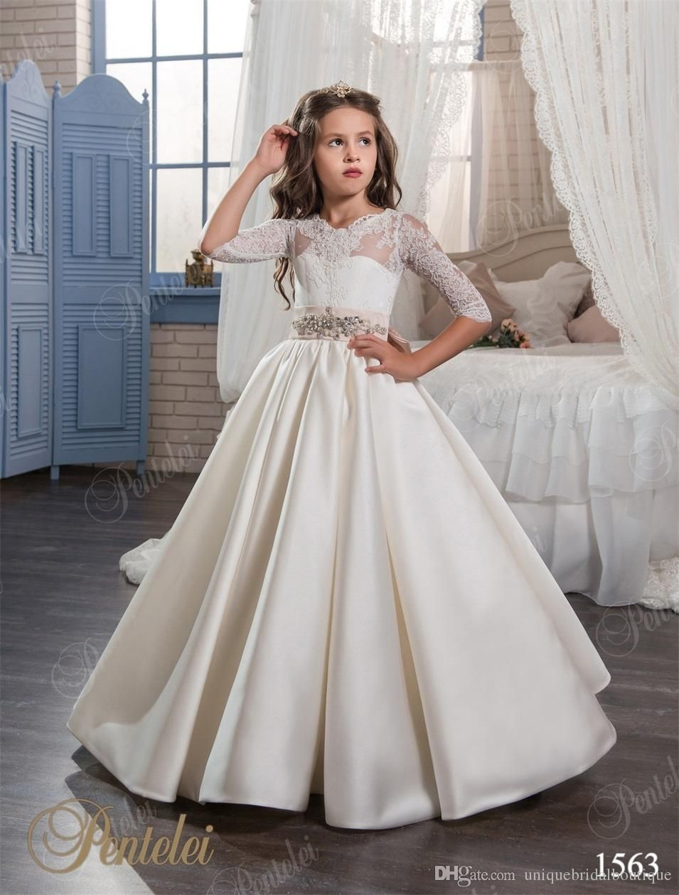 2017 vintage girls bridesmaid dresses with 34 long sleeves and 2017 vintage girls bridesmaid dresses with 34 long sleeves and lace up back soft ombrellifo Image collections