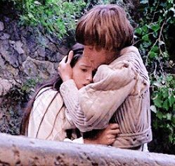 Romeo & Juliet 1968 Zeffirelli. Olivia Hssey and Lleonard Whiting, nightingale