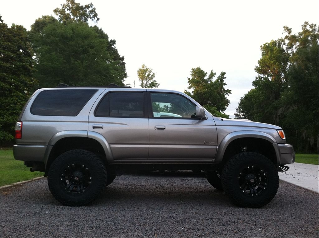 2002 TOYOTA 4RUNNER LIMITED   LIFTED