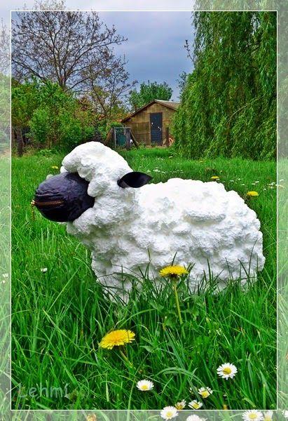 Heute Habe Ich Von Morgens Bis Abends Schafe Gekuschelt Und Zwar So Erfolgreich Dass Ein Schaf Direkt Mit Mir Nach Deko Schaf Garten Bauschaum Schafe Basteln