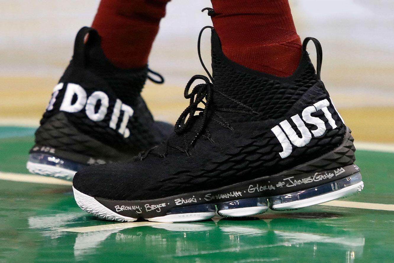 On Court Nike Lebron 15 Just Do It Eu Kicks Sneaker Magazine Oufits Adidas