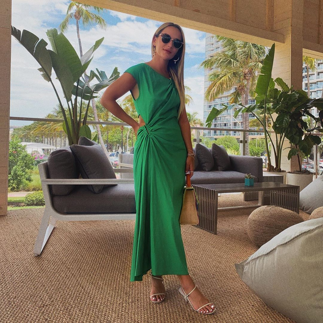 Miami Outfit Ideas What To Wear In Miami Long Green Dress Outfit Summer Dinner Outfit Ideas Miami Dinner Outfits Summer Dress Outfits Long Green Dress [ 1080 x 1080 Pixel ]