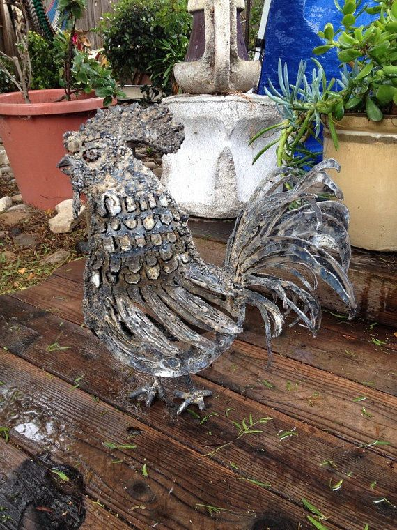 Metal sculpture of a rooster by MartisMetalsCreation on Etsy, $225.00