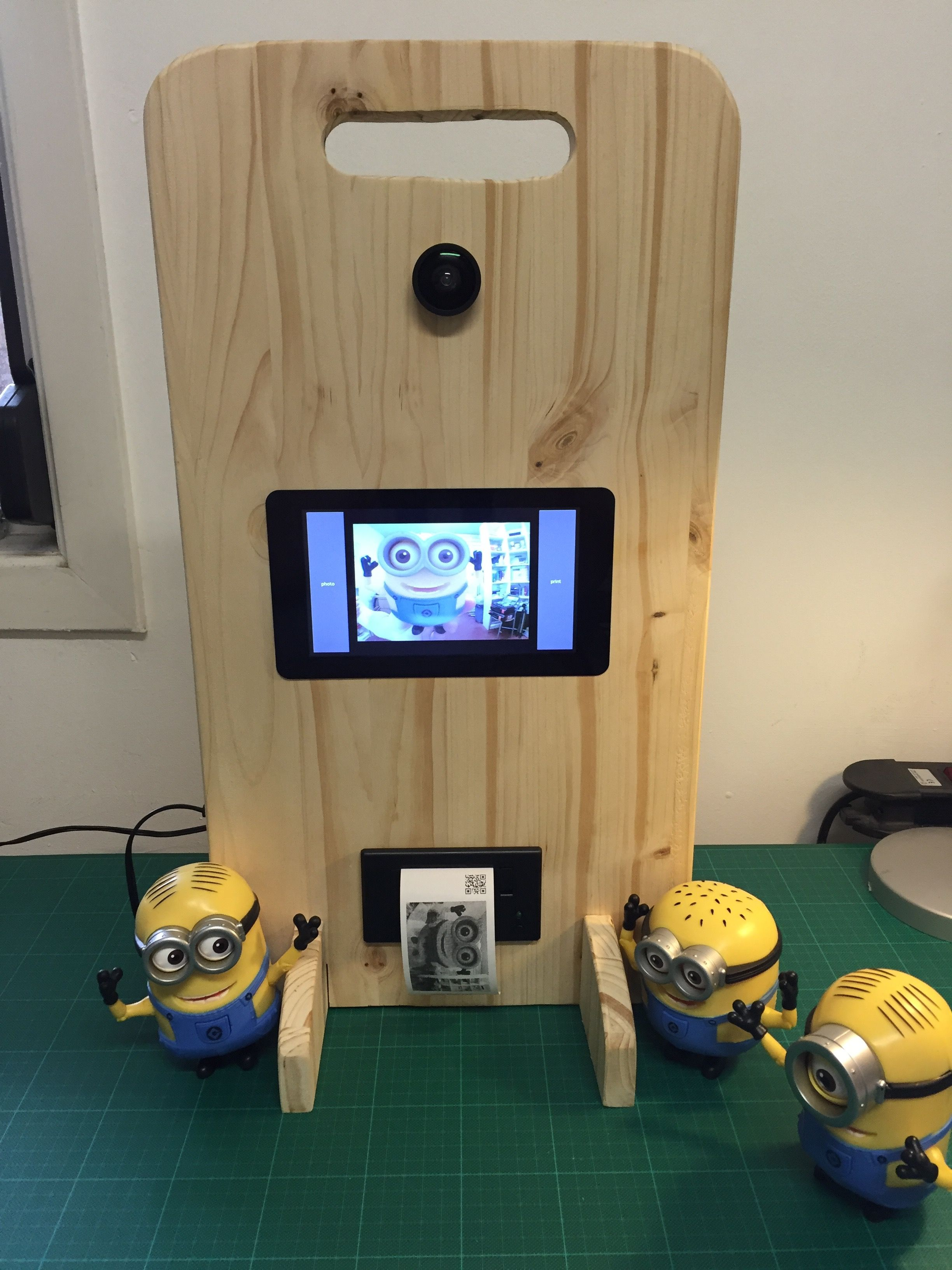 Photobooth Maison Raspberry Pi Photo Booth With Touch Screen Thermal Printer