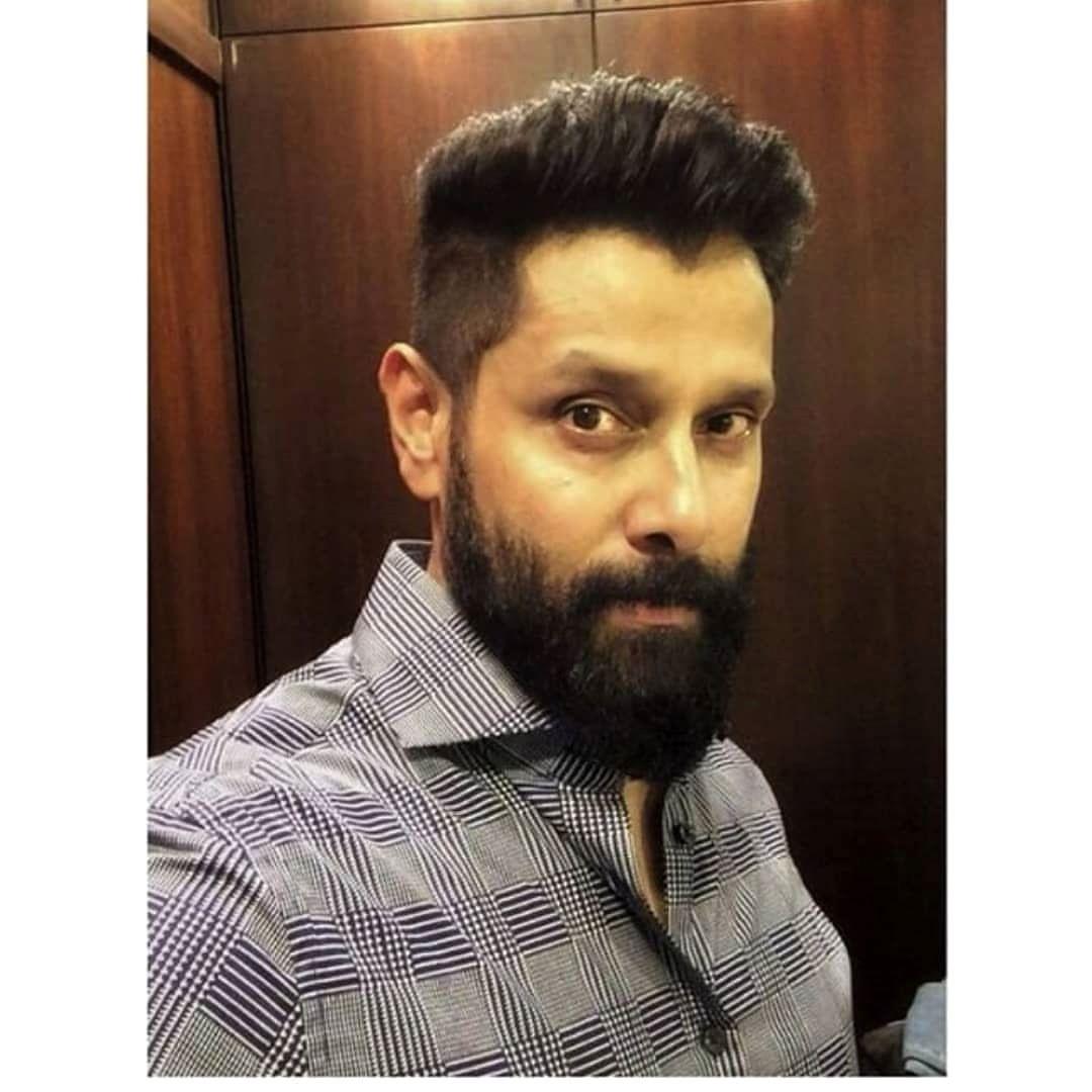 Chiyaan Vikram Kollywood Gallery In 2019 Hair