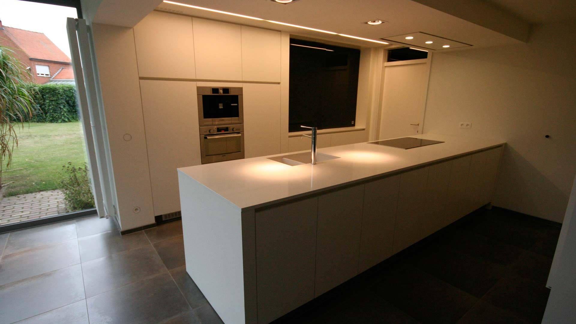 Moderne keuken met composiet werkblad crivani keuken