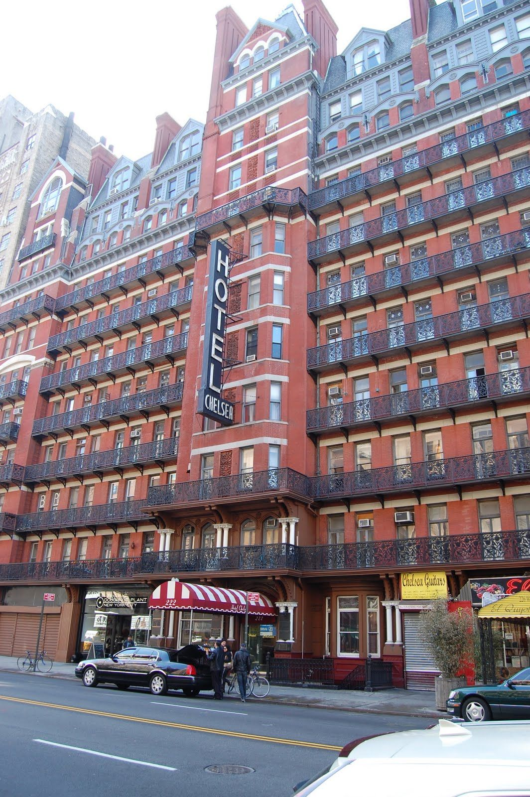 The Infamous Chelsea Hotel Chelsea Hotel Places To See New York City