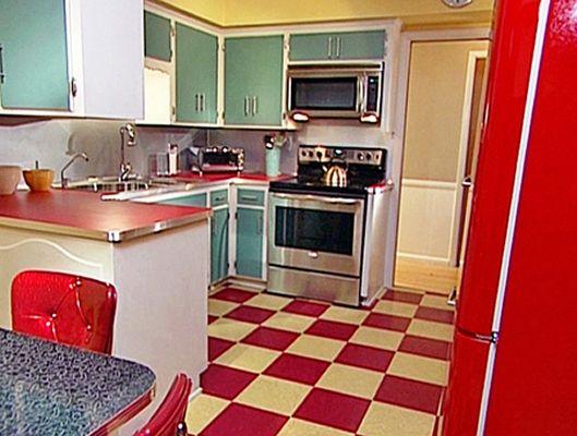 amoblamiento de cocina retro blanco puertas color | kitchen ...