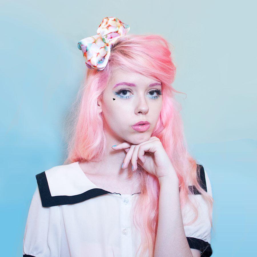 Kailey flyte of mermaidens wearing sugarpill shadows hair