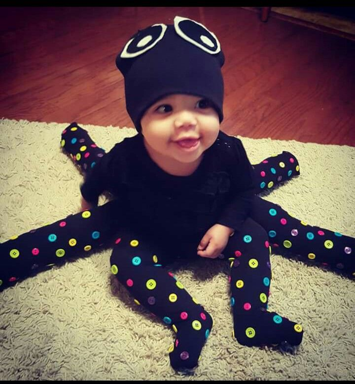 DIY Baby Octopus costume (Costume Works) This is so easy to pull off if you just stuff 6 extra pairs of socks or high leggings. Just Released Prisoner DIY baby costume (Costume Works).