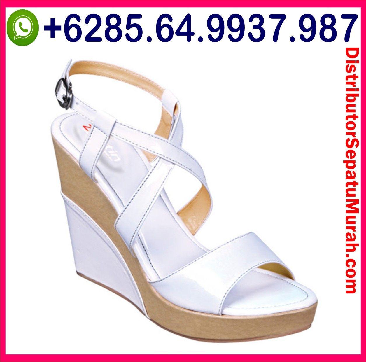 Sepatu Pantofel Warna Hitam Sepatu Pantofel Warna Putih Sepatu