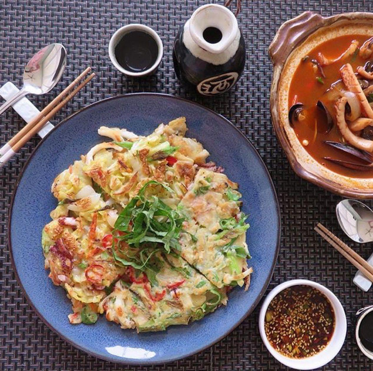 Seafood pancake 해물파전과 짬뽕