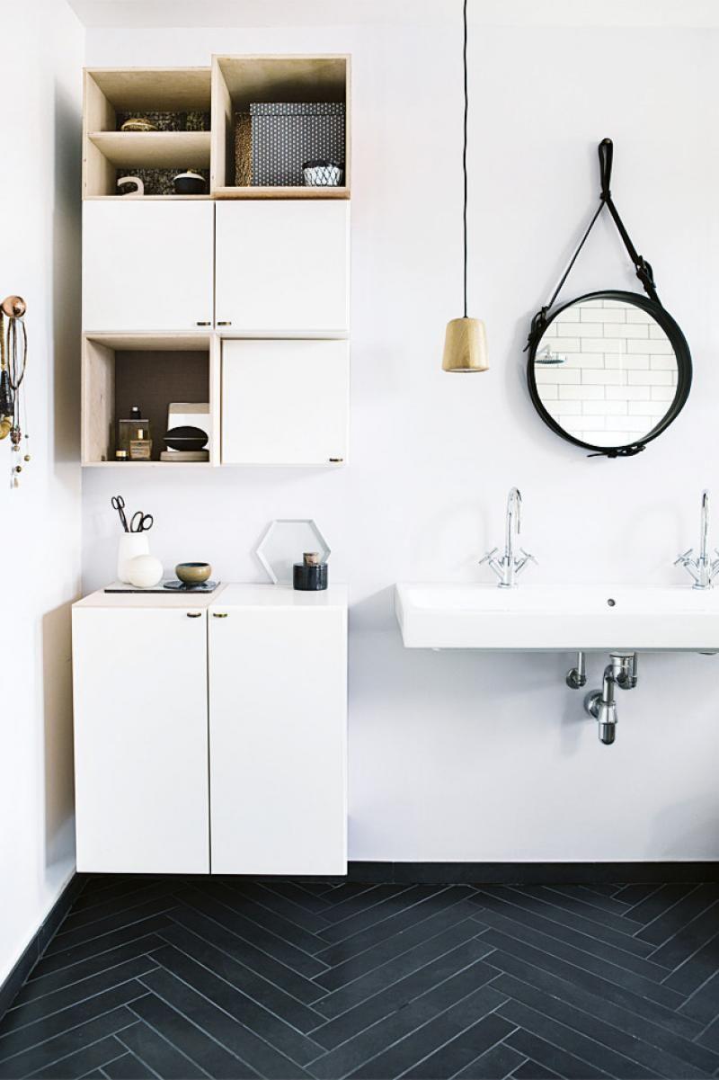 10 bathroom basic tips | Herringbone tile floors, Herringbone tile ...