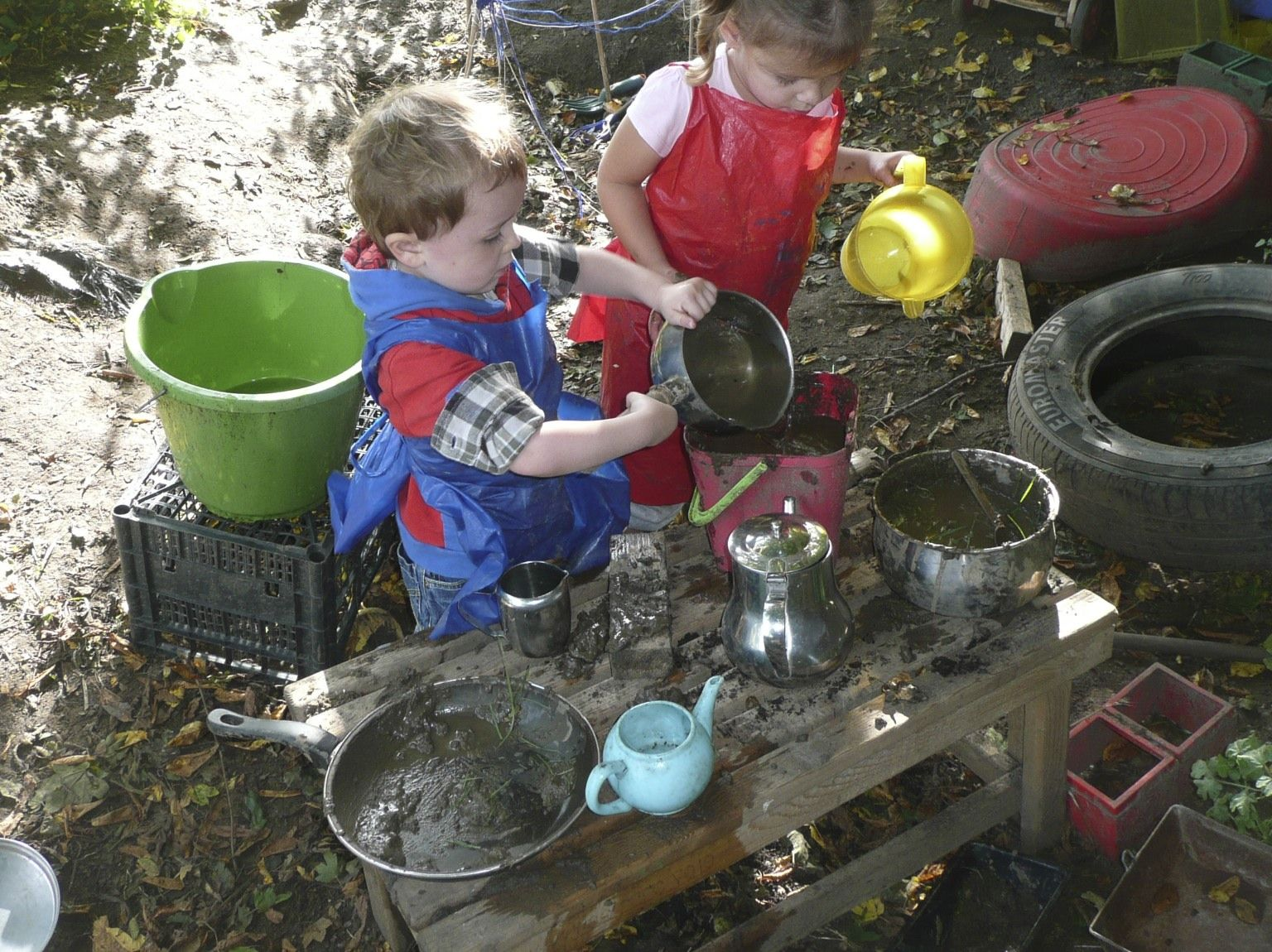 Mud kitchen upcycled pallet mud kitchen pallet kitchen counter with - You Can T Beat A Mud Kitchen