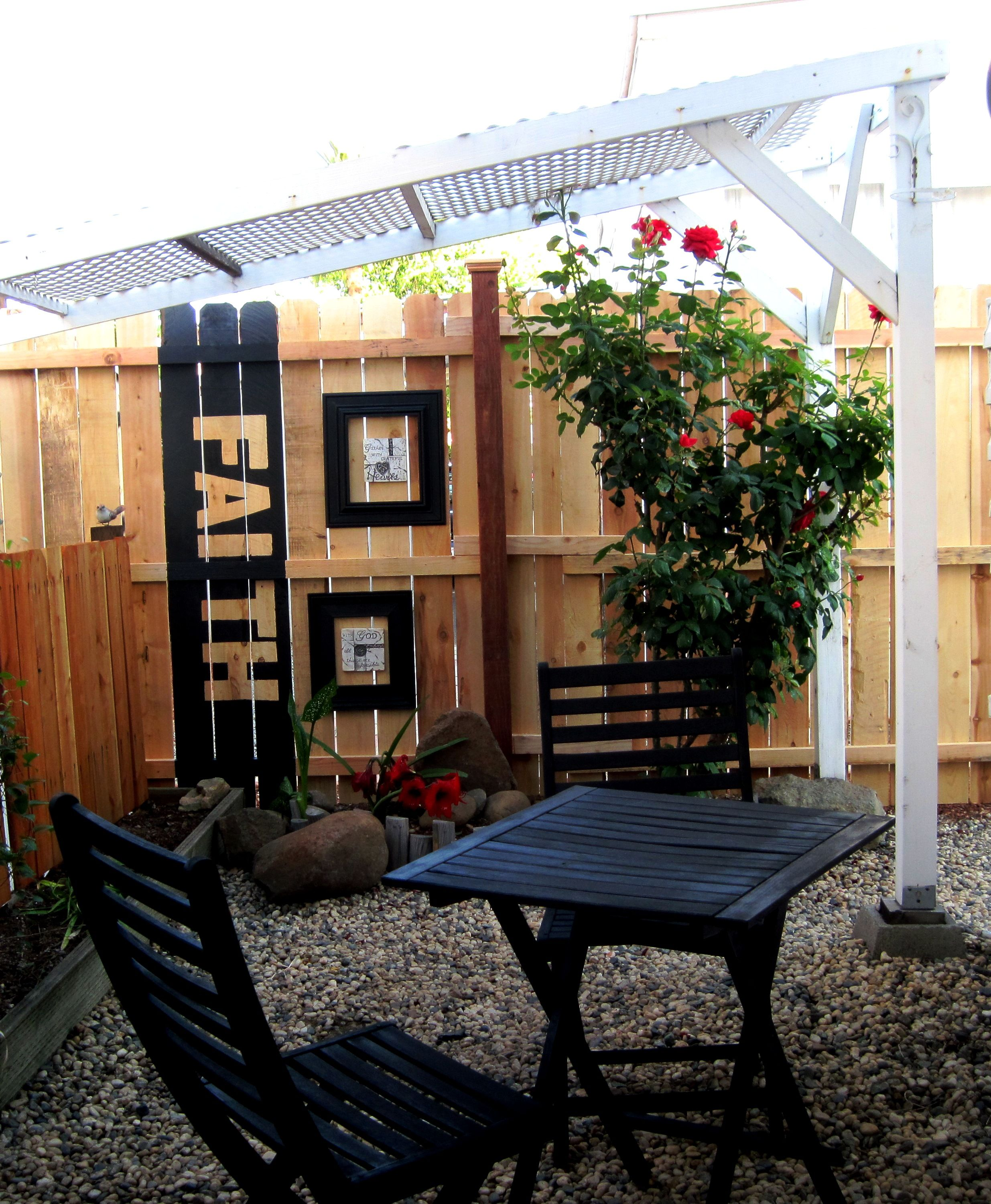 Personalize An Outdoor Fence With Words!