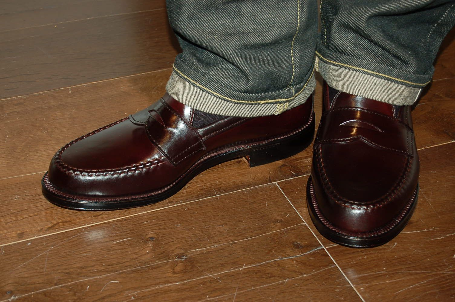 38c824b3854 Alden color  8 shell cordovan leisure handsewn penny loafers.