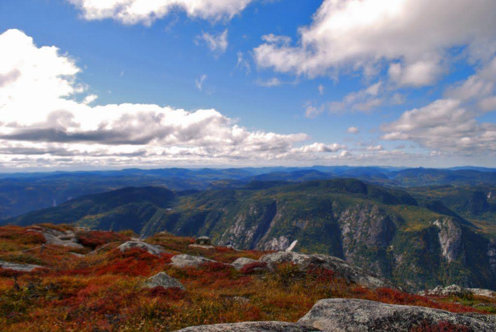 Parc national des Hautes-Gorges-de-la-Rivière-Malbaie - L'Acropole Des Draveurs (Qc,Canada) Automne 2010