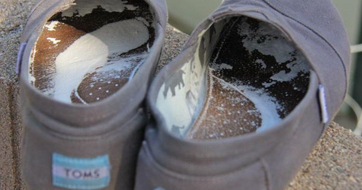 3 astuces simples pour chasser les mauvaises odeurs des chaussures trucs pour odeur odeur. Black Bedroom Furniture Sets. Home Design Ideas