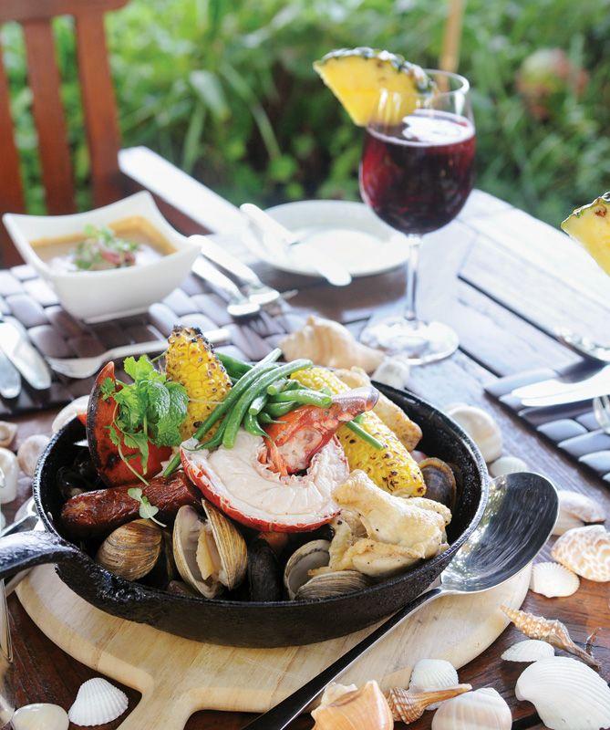 Four Seasons Resort, Palm Beach - Atlantic Bar & Grill - Friday Night Clambake
