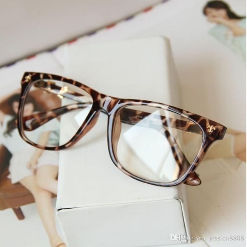 هناك العديد من أنواع النظارات الطبية إذا كان هذه أول نظارة طبية لك فمن الأفضل أن تتعرفي أكثر على الأنواع الم Beauty Skin Care Routine Glasses Beauty Skin Care