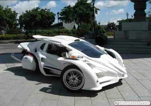 motorcycles rex trike cars reverse motorcycle three enclosed wheeler raptor campagna aero avery wheeled called 14rr body thechive thethrottle