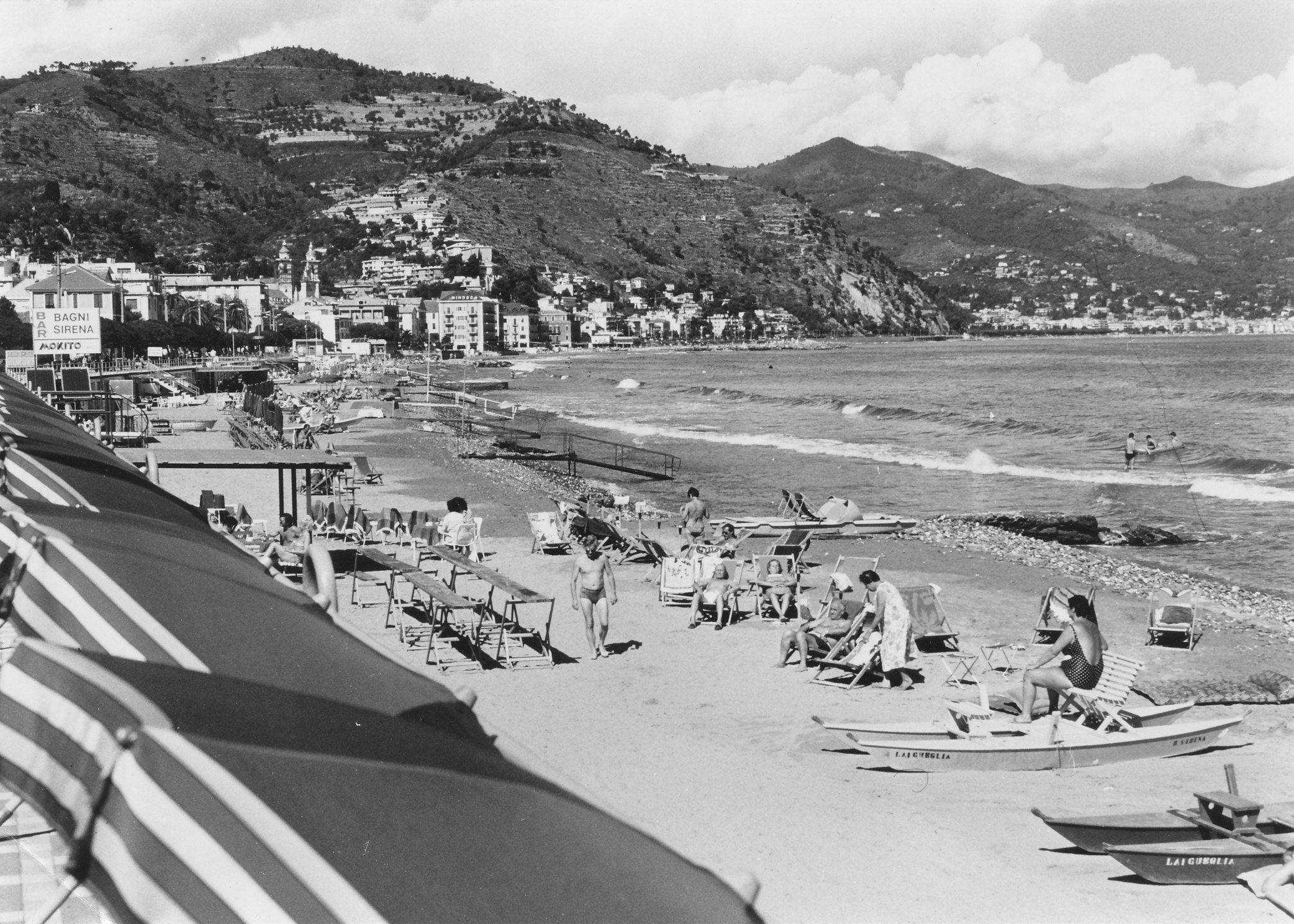 Stabilimenti balneari sul litorale di Laigueglia ...