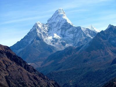 LUXURY DESTINATIONS: MOUNT EVEREST ICONIC SYMBOL OF NEPAL
