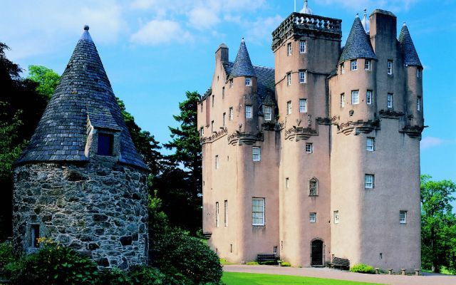 Luxury Scottish Weddings Craigievar Castle Wedding Venue Scotland This Would Be A Dream