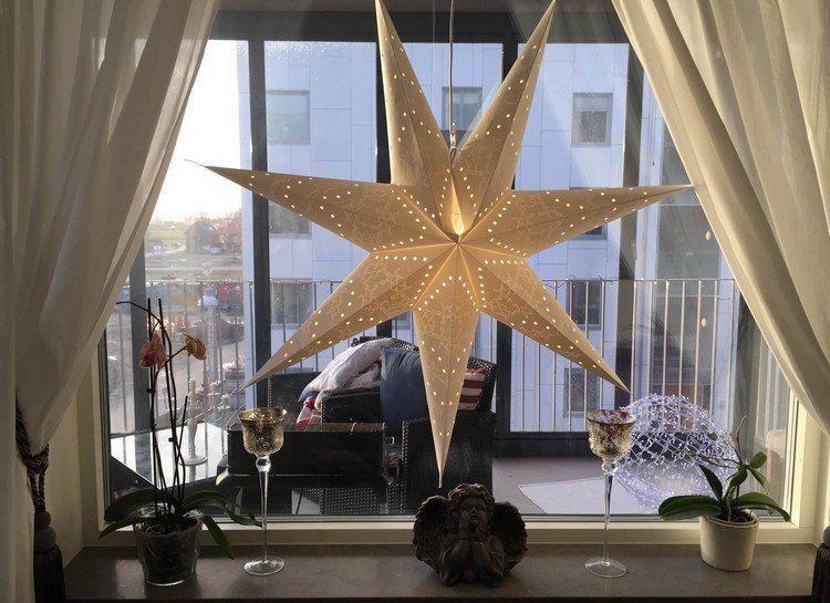 Glas Kerzenhalter auf Fuß und leuchtender Stern | Weihnachten ...