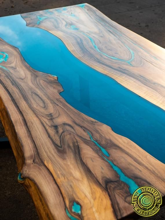 Live Edge River Dining Table With Turquoise Glowing Resin Diseno