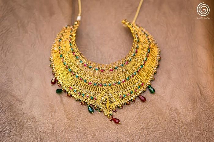 Necklace for the bride http://www.weddingsonline.in/blog/real-wedding-pallavi-hemants-north-meets-south-wedding-girish-lone-photography/