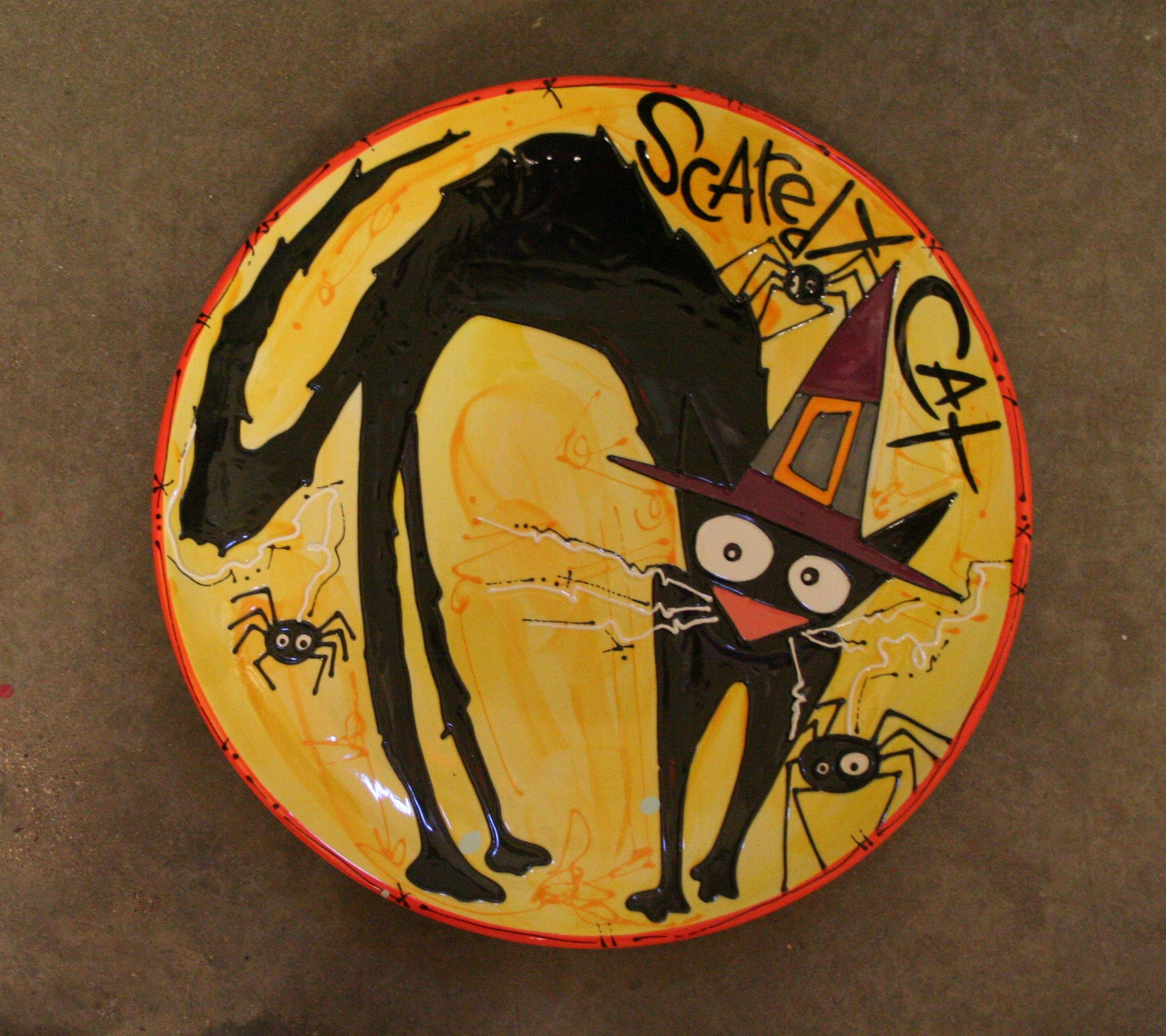 scaredy cat halloween design hand painted on a ceramic plate - Halloween Plates Ceramic