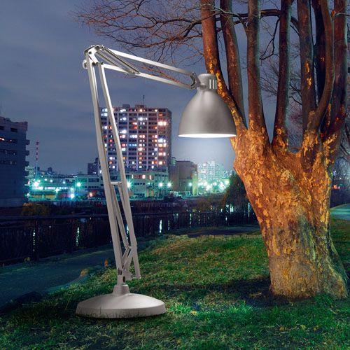 ITRE The Great JJ Floor Lamp designed
