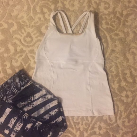 Lululemon Energy Tank Great worn condition! Pads included! lululemon athletica Tops Tank Tops