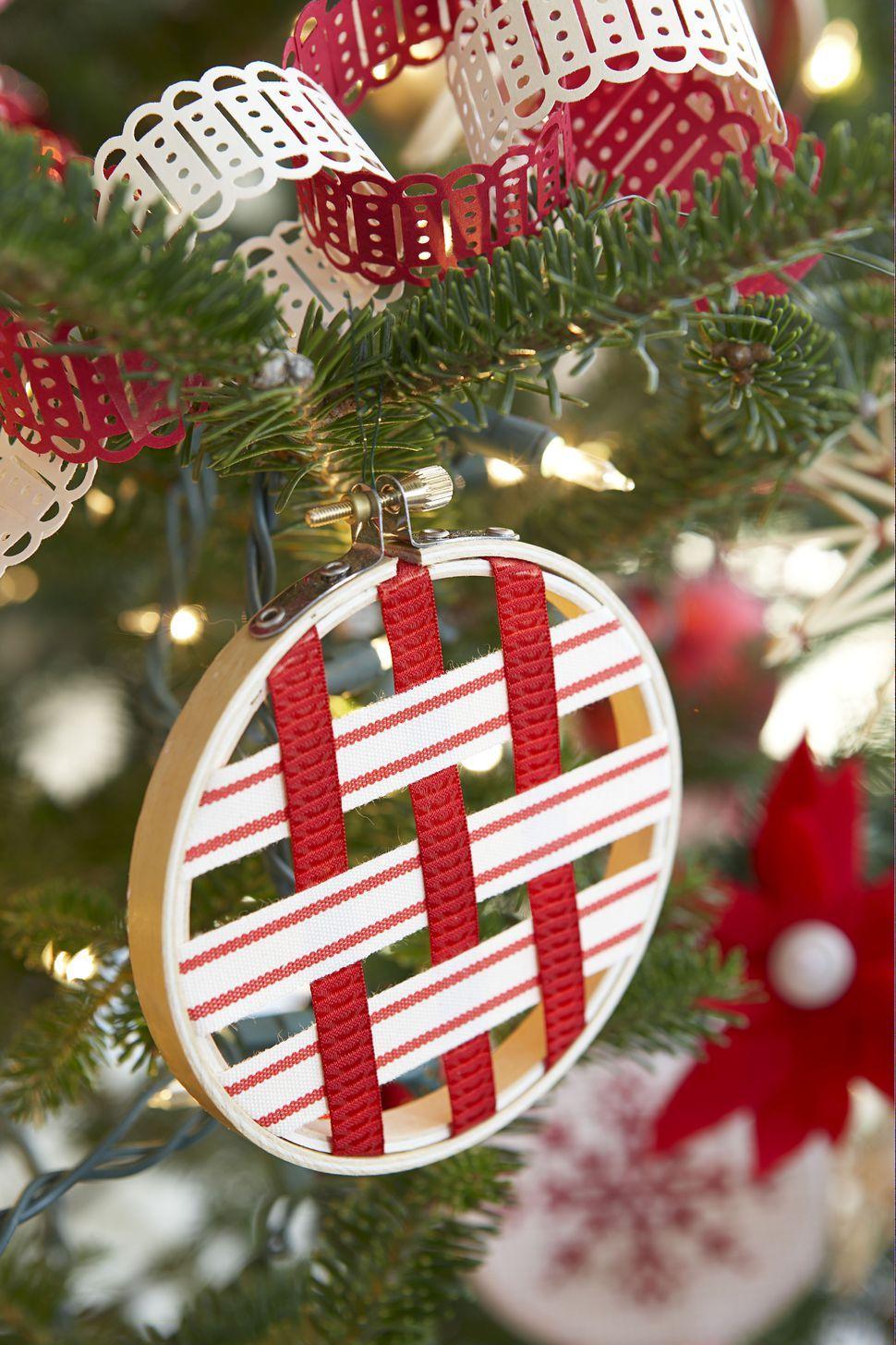 10 ScandinavianInspired Christmas Decorating Ideas
